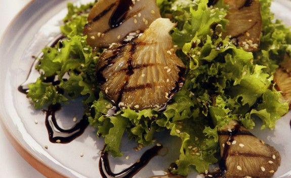 prasini-salata-me-psita-manitaria-kai-soysami-exo