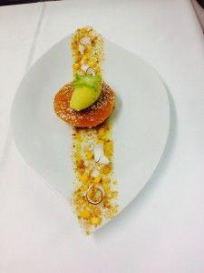 Ananas r_ti _ la vanille Bourbon, streusel noix de coco, Sorbet passion-coriandre