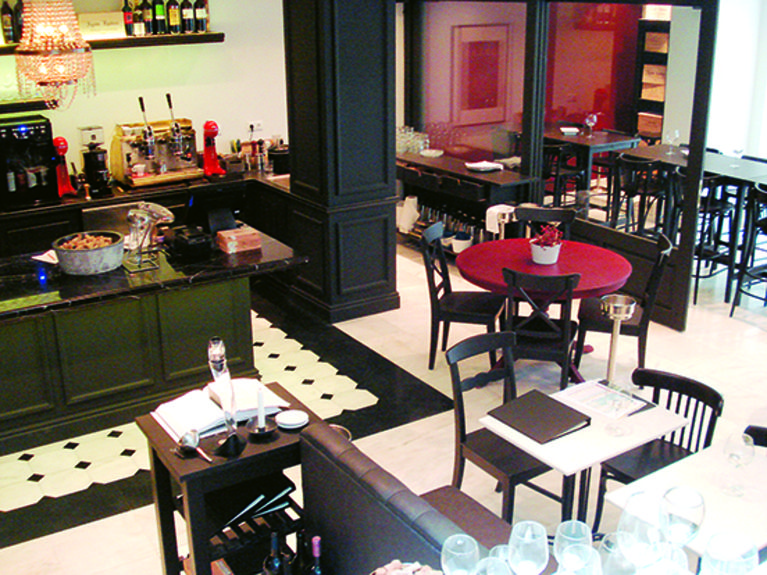 Vintage WIne bar & Bistro 1a
