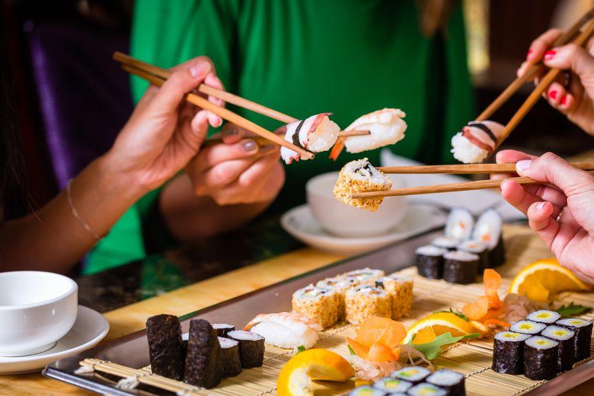 sushi_216328840
