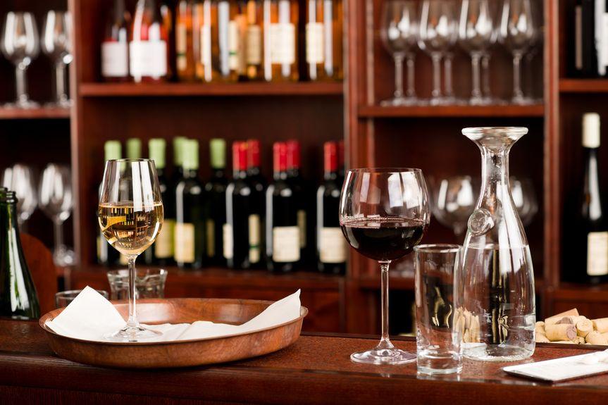 wine bar_91143614