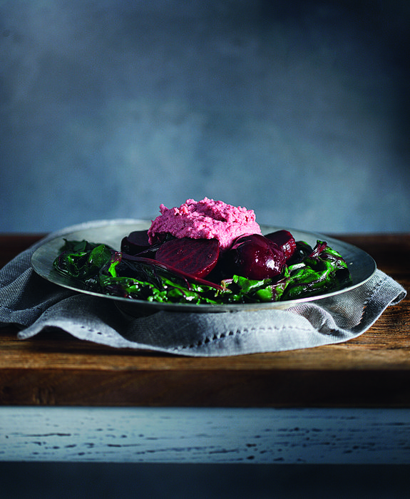 salata patzaria me roz skordalia