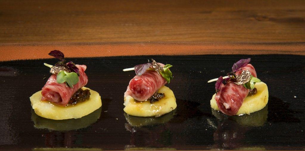 Kobe Carpaccio with potatoes sensed in truffle oil (2)edited