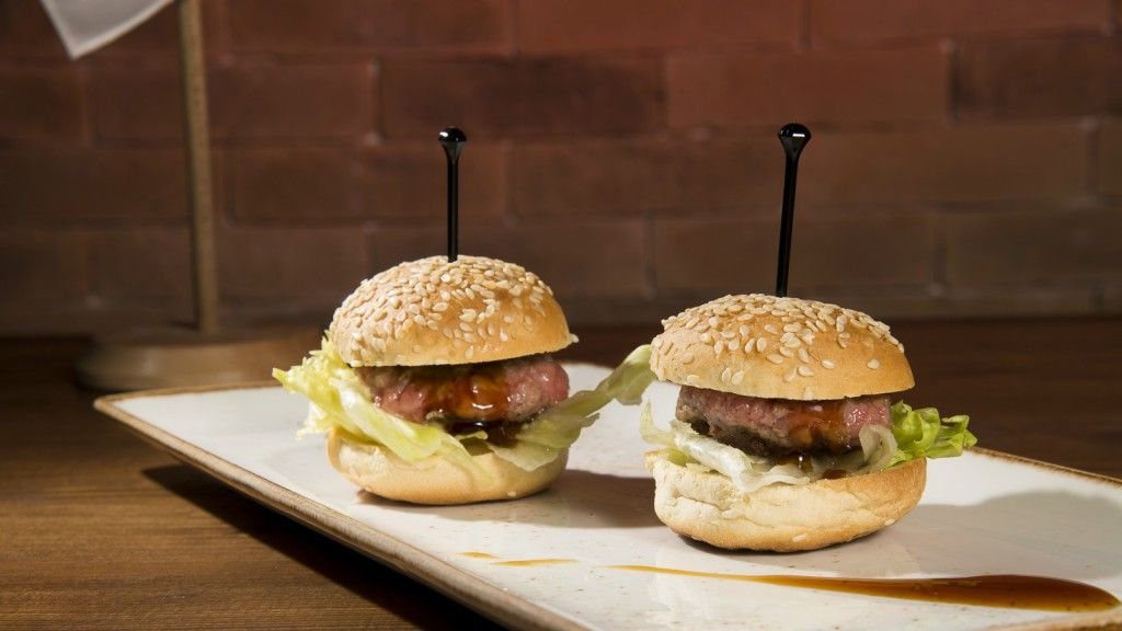 Kobe beef mini burger (1)edited