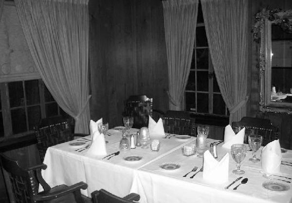 haunted-house-restaurant
