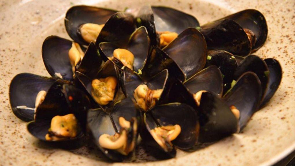 Armyra-Restaurant---The-Romanos-Resort-Costa-Navarino---Mussels