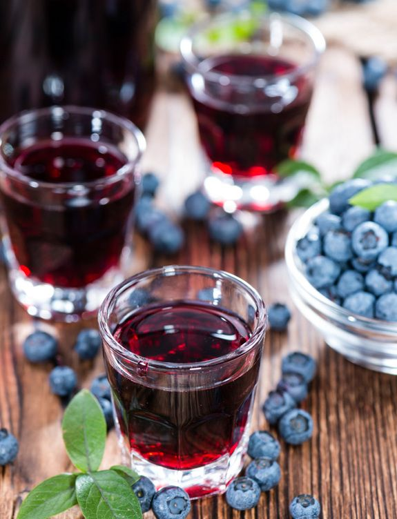 blueberry-liquer_214616377