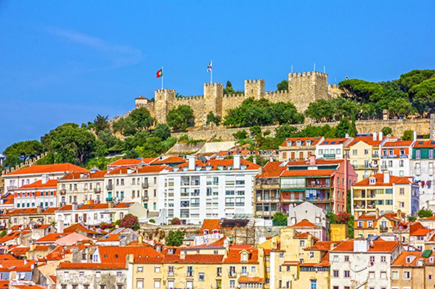 Lisbon-fortress-of-Saint-George-view