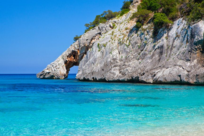 sardinian-beach_183804641