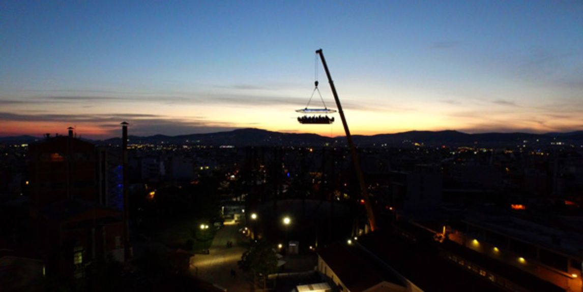 kotsovolos_red-night-dinner-in-the-sky1