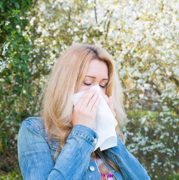 kopela me allergia anoigma