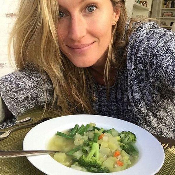 eating-veg-soup