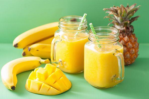 smoothie-banana-mango