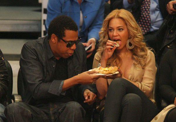 Beyonce-Hot-Dog-640x445