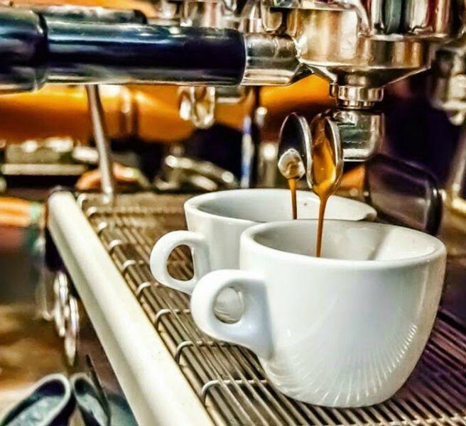 anoigma-kafes