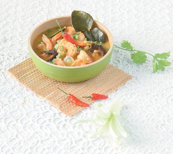 kouzines-tou-kosmou_soupa-tailandeziki-tom-ka-kai