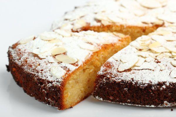 cake-me-anthotyro-amygdala-kai-lime-gia-diavitikous