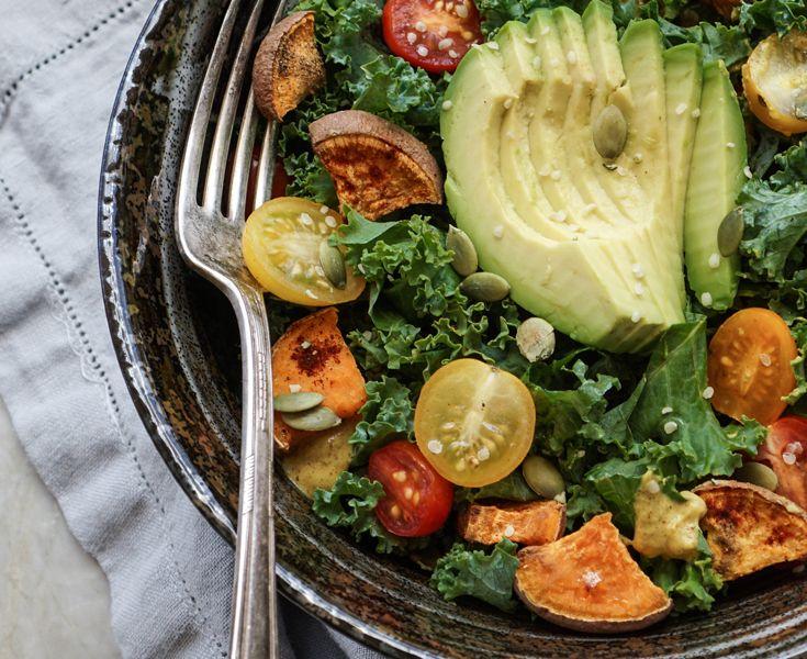 salata-avocado-anoigma