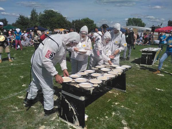World-Custard-Pie-Championship-(3)