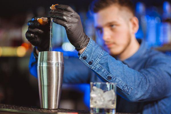bartender-aspradia-avgo