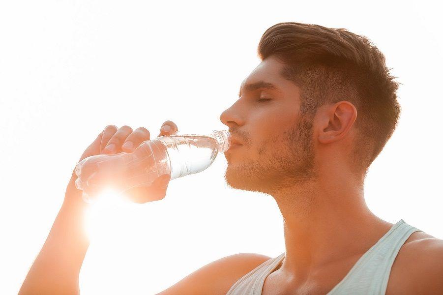 Οι ώρες της μέρας που δεν πρέπει να πίνεις ποτέ νερό!