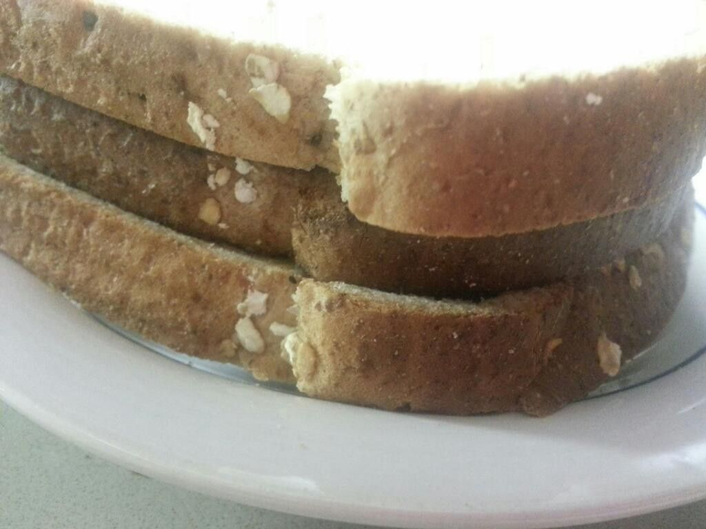 An_image_of_a_toast_sandwich,_shot_from_the_side