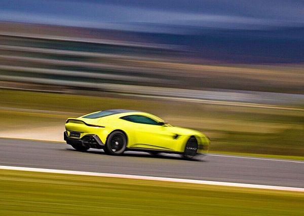 Aston_Martin_V8_Vantage_Lime_Essence_-_Portimao_11__preview