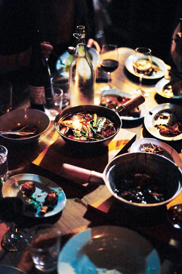SmokingGoat-D'tom-Yam,-wild-mussels,-velvet-crab