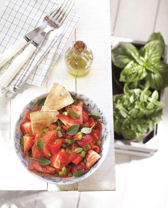 salata me ntomata piperia florinis fraoules basiliko araviki pita IMG_0177