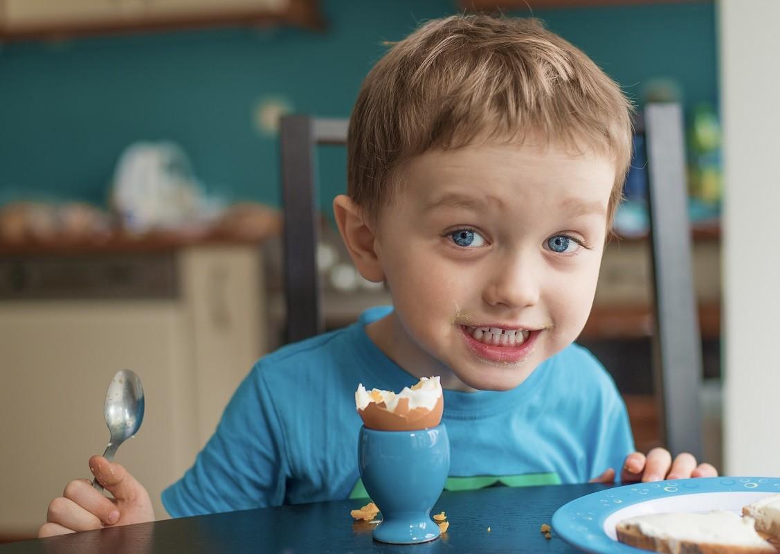 Η τροφή που δεν πρέπει να λείπει από το πρωινό κανενός παιδιού