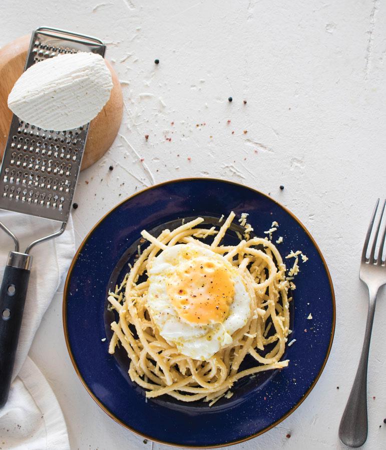 10 συνταγές για μακαρονάδες που θα σας κάνουν να μην θέλετε να βγείτε από το σπίτι 4