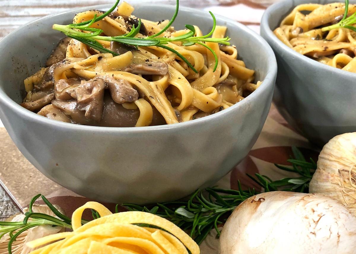 10 συνταγές για μακαρονάδες που θα σας κάνουν να μην θέλετε να βγείτε από το σπίτι 5